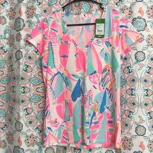 Brand new Lilly tee!!